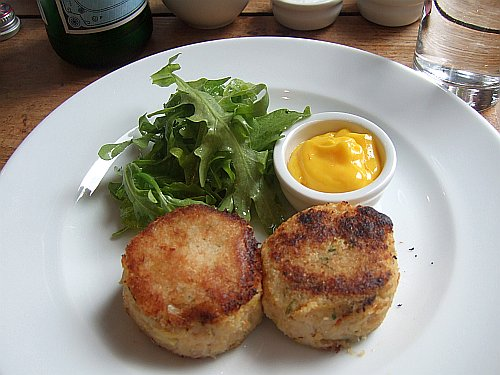 mermaid-brunch-crab-cakes